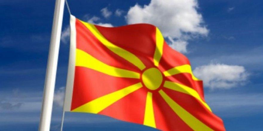 İsmini değiştiren Makedonya'ya destek yağıyor