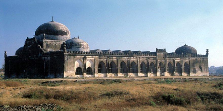 Hindistan'da cami arazisine tapınak yapılması çağrısı