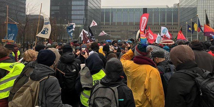 Belçika'da mültecilere destek gösterisi