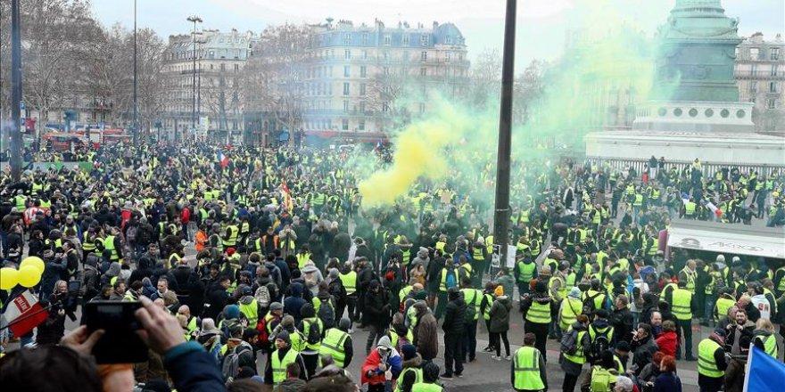 Fransa 'Sarı Yelekliler' için masaya oturdu