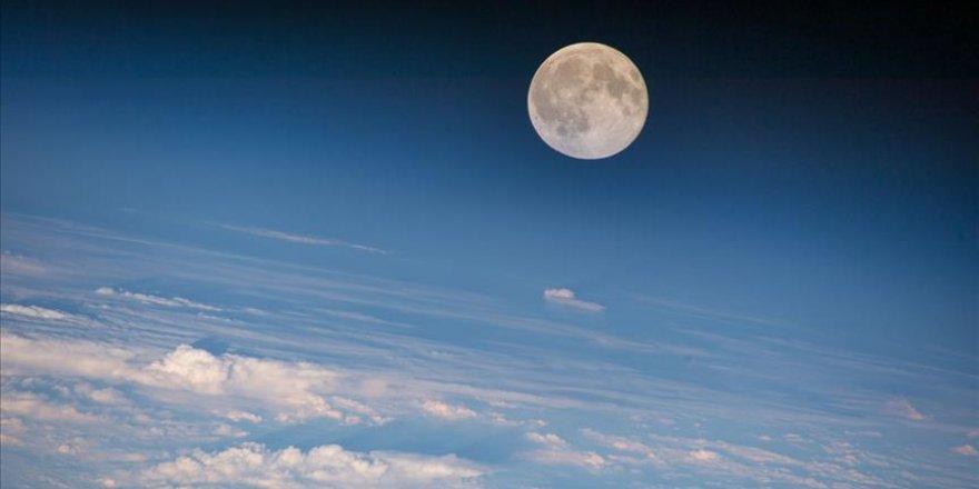 Çin, Ay projesinde ısrarlı