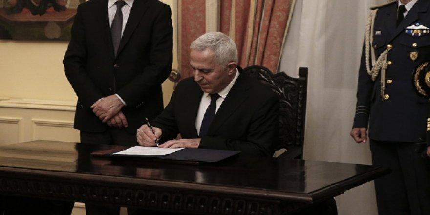 Yunanistan'ın yeni savunma bakanı Apostolakis oldu