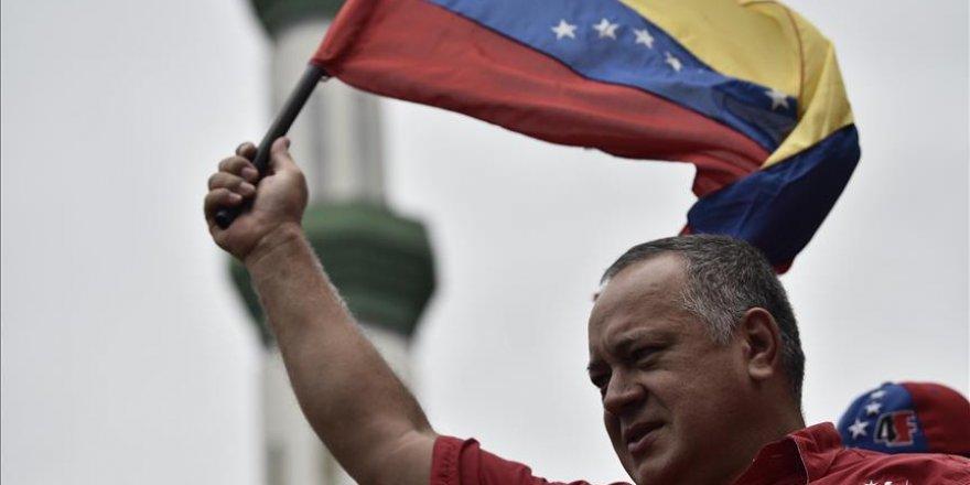 Venezuela'da tüm taraflar 23 Ocak'ta sokağa iniyor