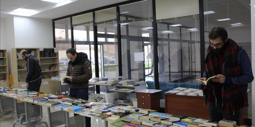 Sakarya'da ihtiyacı olan öğrencilere burs sağlayan proje