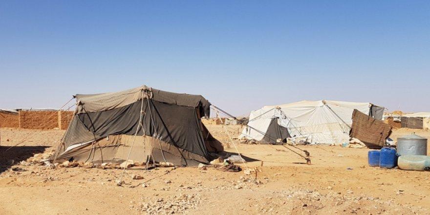 Suriyeliler, kaderine terk edilen Rukban Kampı'nda yaşam mücadelesi veriyor