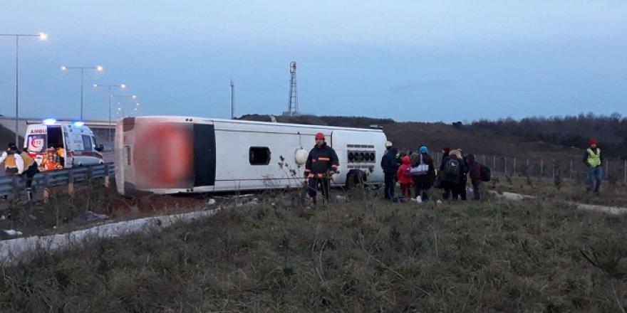 Kuzey Marmara Otoyolu'nda yolcu otobüsü devrildi: 6 yaralı