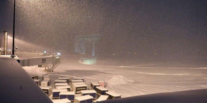 Kar fırtınası ABD'yi etkiledi 5 bin sefer iptal edildi