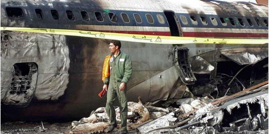 İran'da yolcu uçakları 'dökülüyor'