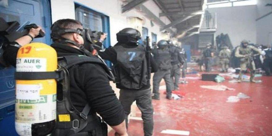 Filistinli mahkumlar yılmayacak