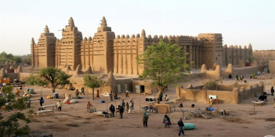 Mali'de 20 bin kız çocuğu insan ticareti mağduru