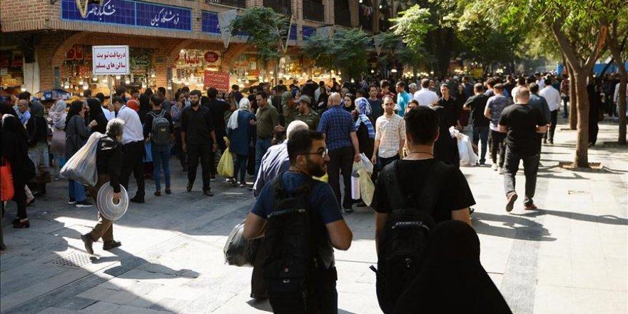 İran'da memurlar işsiz kaldı