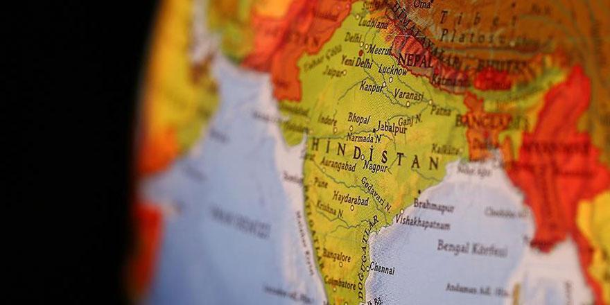 Hindistan'da ayırımcı vatandaşlık yasası protesto ediliyor