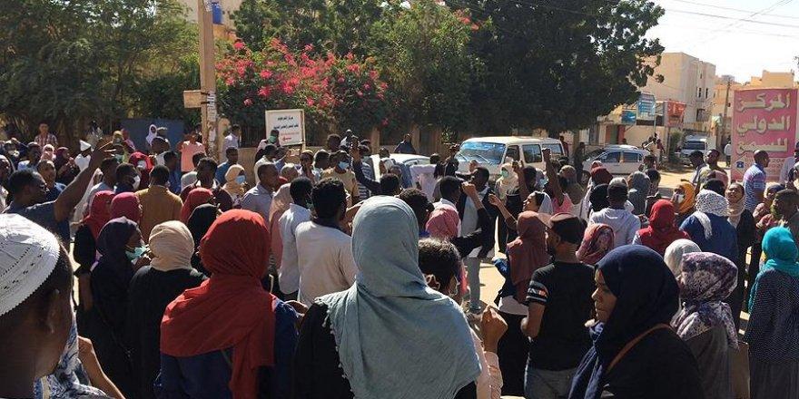 Sudan hükümeti göstericileri bağışladı