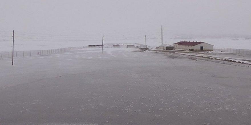 Muş'ta aşırı soğuklar su şebekelerini dondurdu