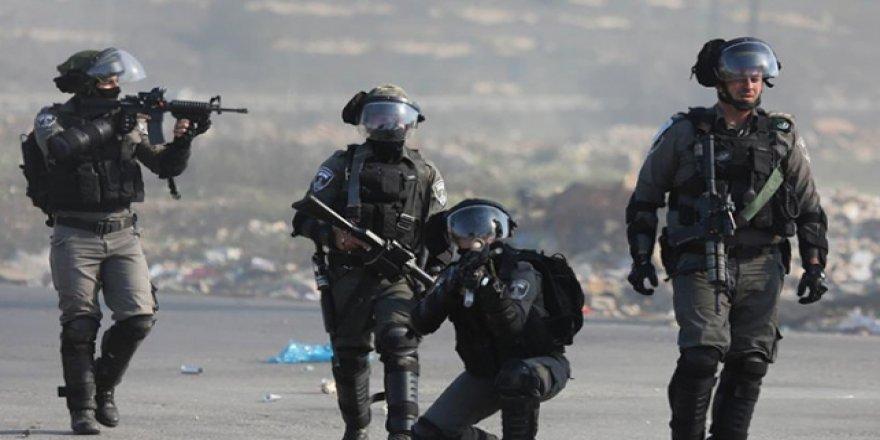 İşgalci İsrail cami bastı
