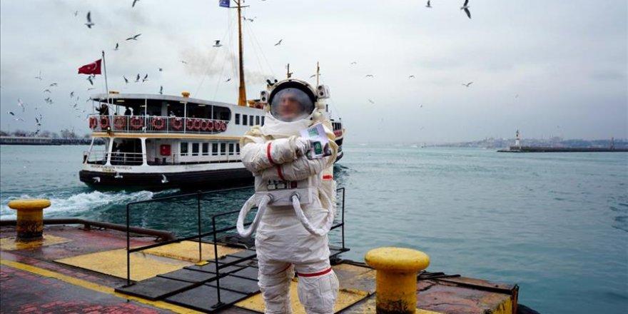 İstanbul'da gezen 'astronot'un gizemi çözüldü