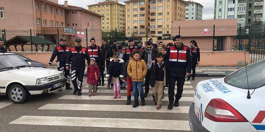 Başkent'te 'Öncelik Hayatın, Öncelik Yayanın' etkinliği