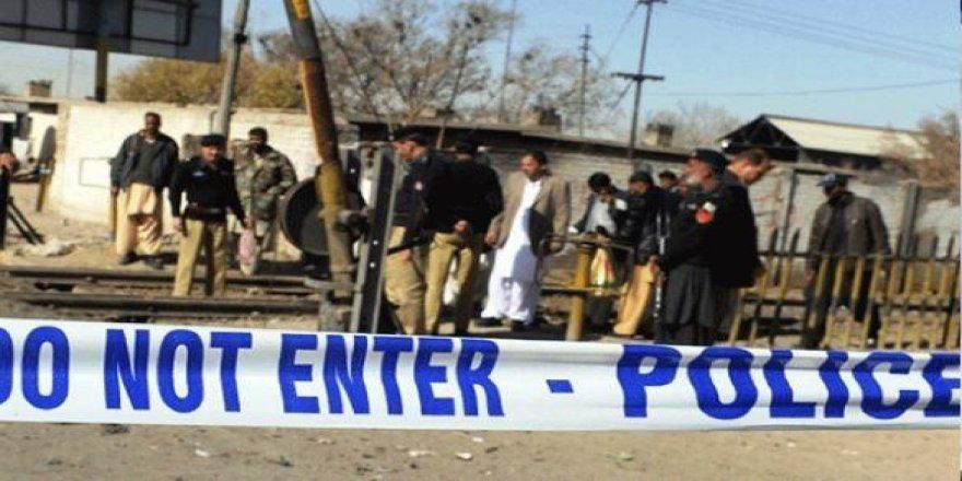 Pakistan'da 4 kişiyi öldüren saldırı
