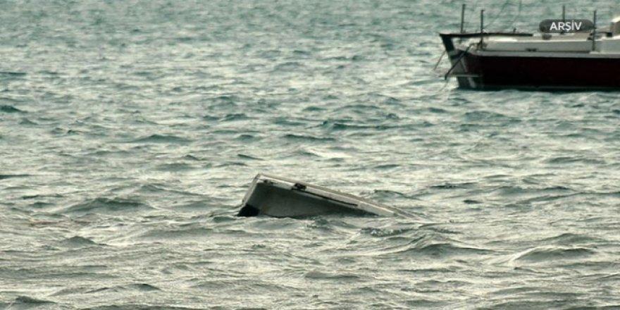 Midilli'de göçmen botu battı: 1 kayıp