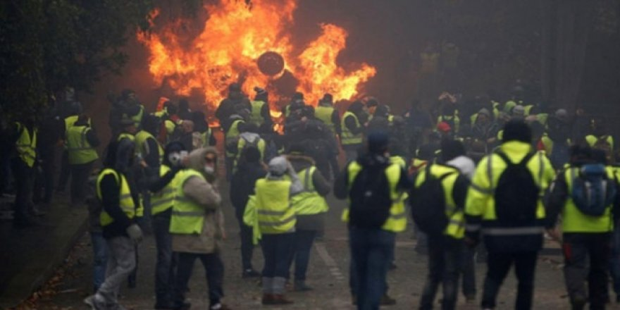 Fransızlar 'Sarı Yelekliler'den bıktı