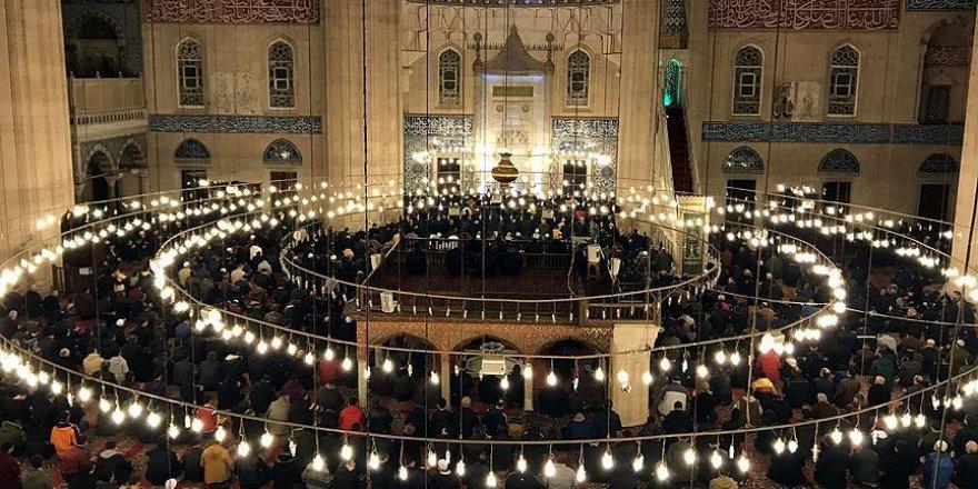 'Müslüman kimliğin inşası camidedir'