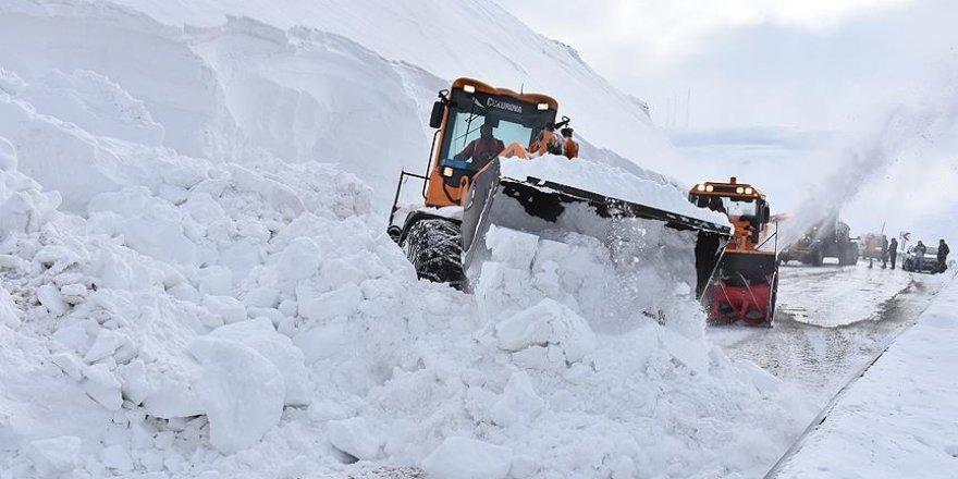 Doğu'da çetin kış şartları sürüyor
