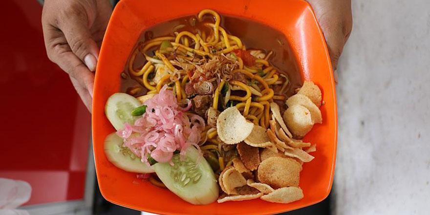 Endonezya'nın vazgeçilmez lezzeti 'Mie Aceh'