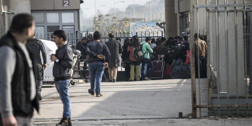 Ülkesine dönen Suriyeli sayısı 300 bini geçti