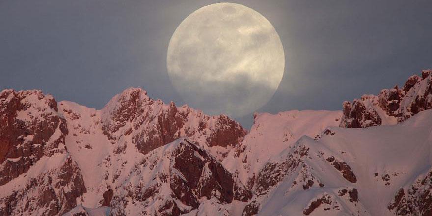 İkinci Süper Ay bu gece hem parlayacak hem büyüyecek