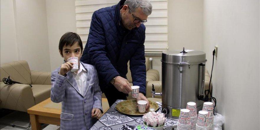 Çocukların sabah sütü apartman sakinlerinden