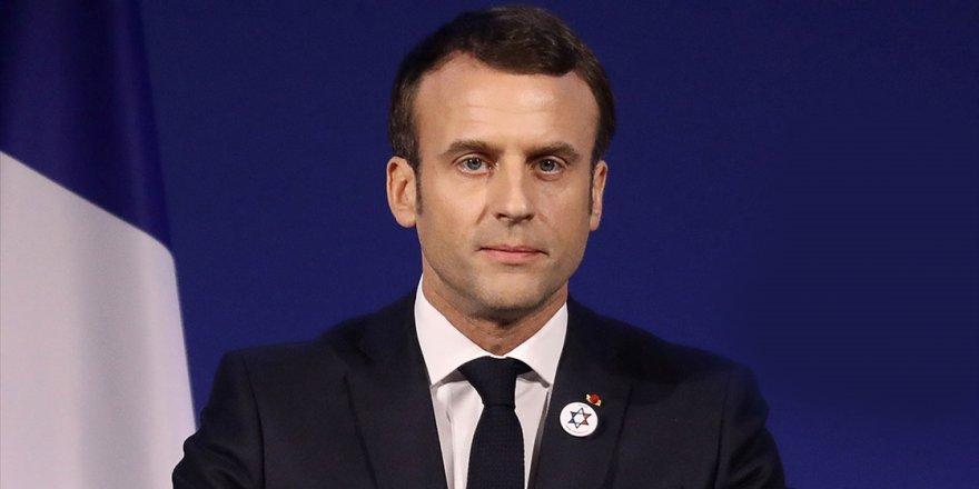 Macron'un belediye binalarındaki portreleri çalındı