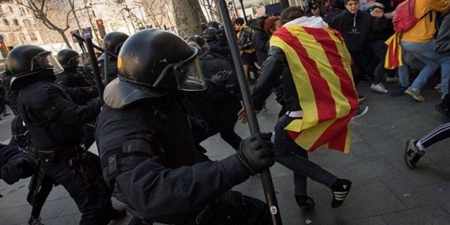 Katalonya'daki genel grev çatışmaya dönüştü