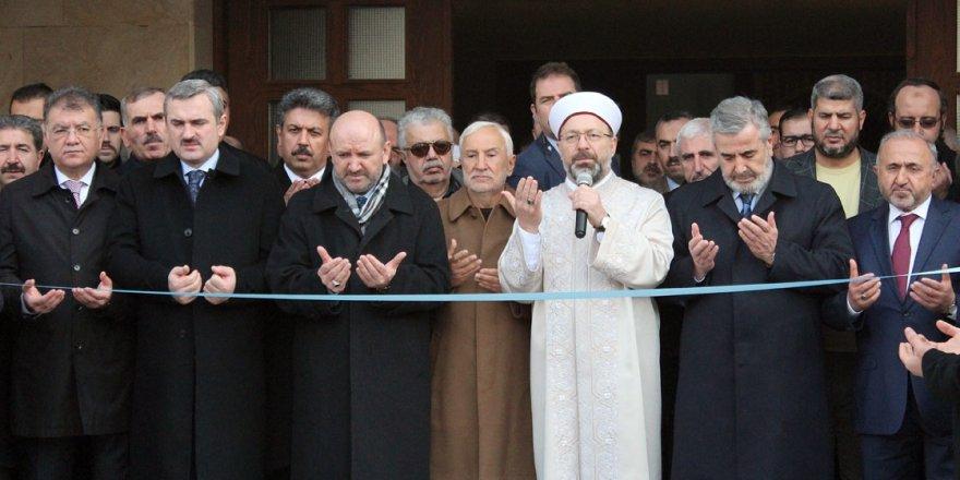 Erbaş: İslamofobi, anti-İslam noktasına gelmiştir