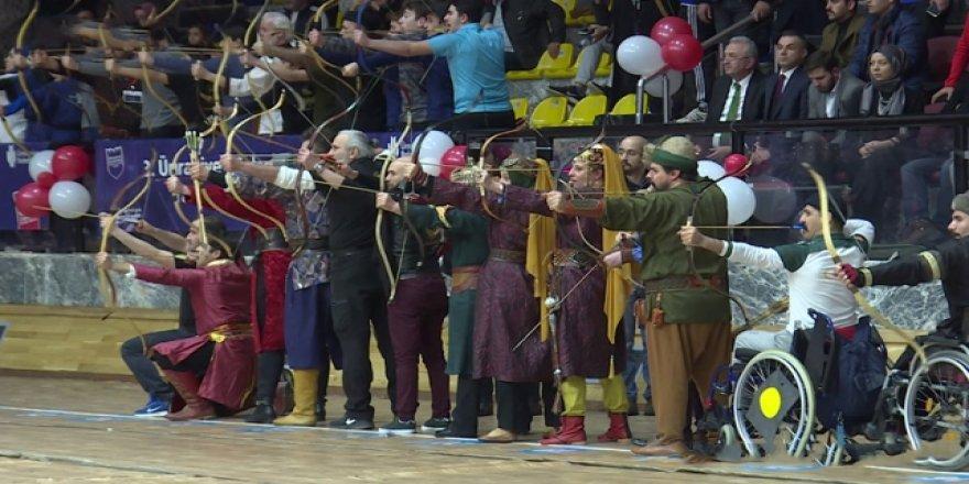 Yüzlerce okçu Ümraniye'de yarıştı