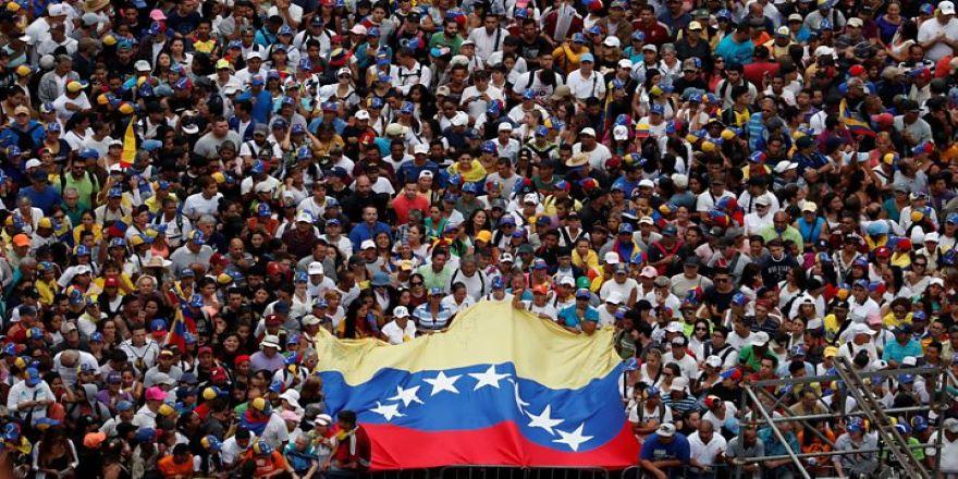 Venezuela'daki darbe girişiminin perde arkası