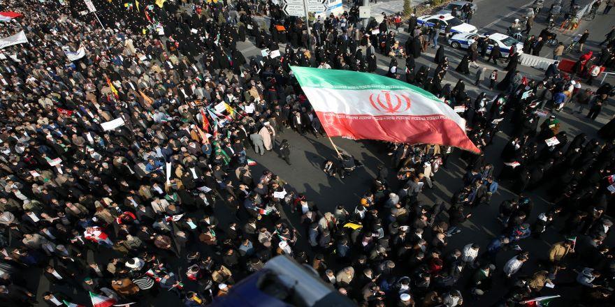 İran ile Suudiler arasında 'nükleer' tartışması