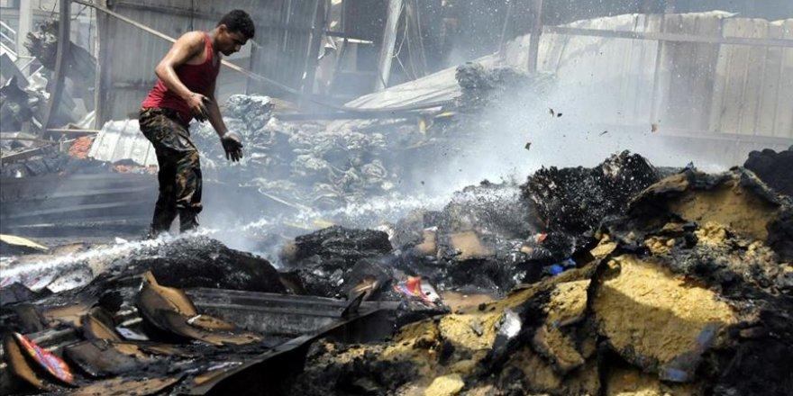 Yemen'de insani yardımlardan önce bomba düşüyor