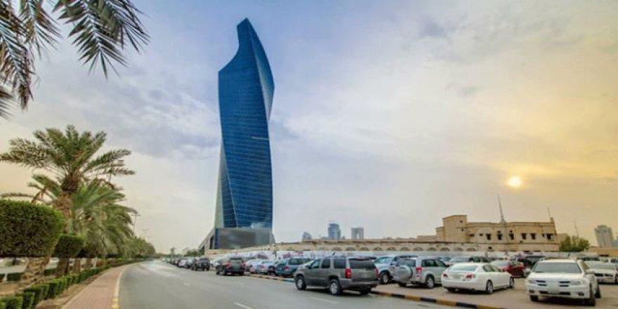 Kuveyt'te hemşire ve müezzinlerin ehliyet alması engellendi