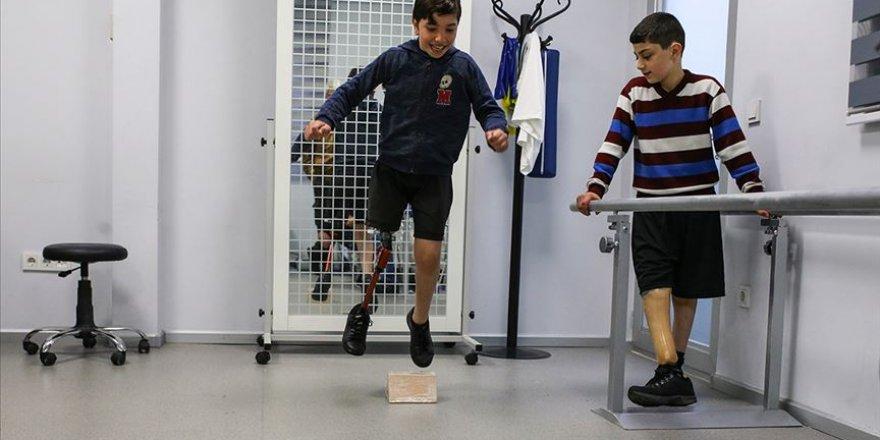 Savaşta yaralanan çocuklar Türkiye'de umut buldu