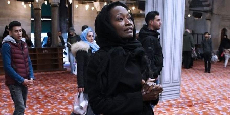 Ünlü sanatçı Müslüman oldu: Hz. Muhammed'in inancını benimsemek beni çok mutlu ediyor