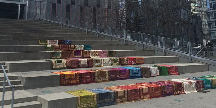 BM binası önünde 50 seccade