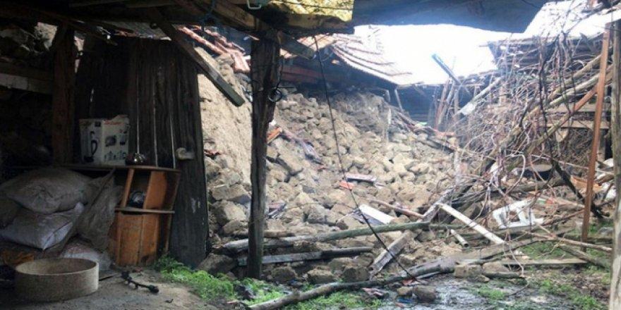Denizli'deki depremde 139 binada ağır hasar meydana geldi