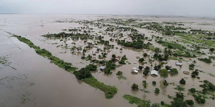 Mozambik'te sel ve kasırga: 200'den fazla ölü