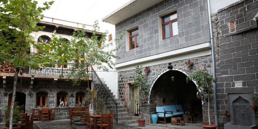 Sur'daki tarihi binalar turizm merkezi olacak