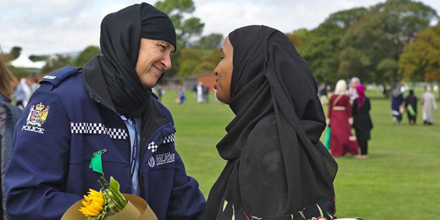 Terör amacına ulaşmadı: İslam'a ilgi duyanlar arttı
