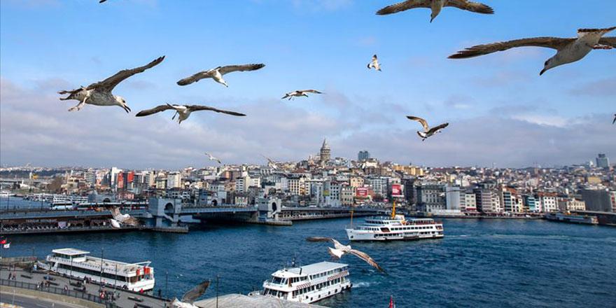 Ünlü Arap şairler, şiirlerini İstanbul'da seslendirdi