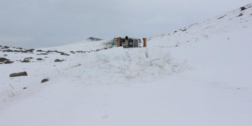 Ağrı'da karla mücadele çalışmaları