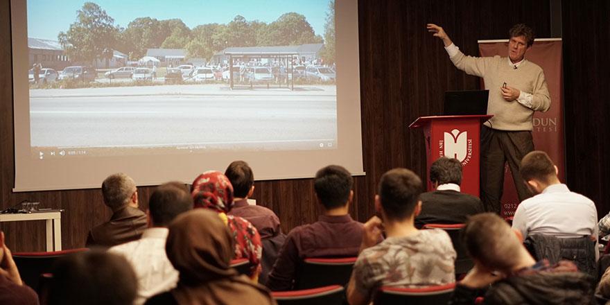 İsveçli Prof. Ringmar: Ezan sadece Müslümanları değil tüm İsveçlileri çağırıyor