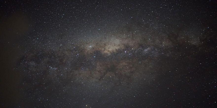 200 milyar yıldıza ev sahipliği yapan galaksi görüntülendi
