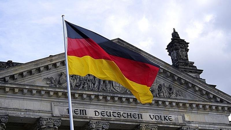 Almanya Facebook'a ceza kesti